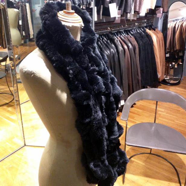 Braga Doble tipo Buff fabricada en Rex negra hecha a mano por Peleteria solsona